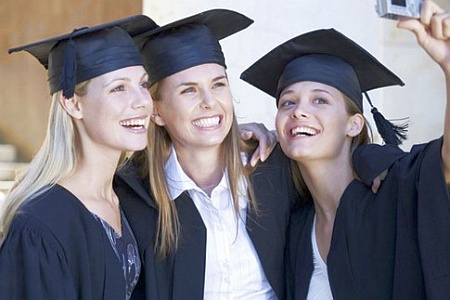Скачать Германия решила упростить процедуру признания зарубежных дипломов